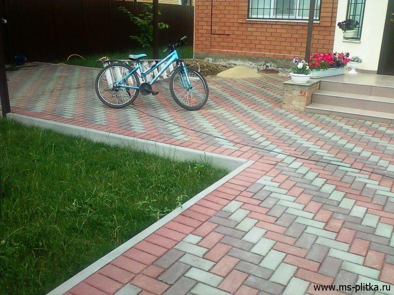 Дизайн брусчатки во дворе дома фото Ландшафтный дизайн двора: фото участка частного дома
